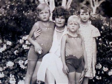 Sara Murphy et ses enfants par Man Ray en 1926