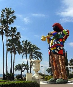 Miles Davis de Niki de Saint Phalle devant le Negresco