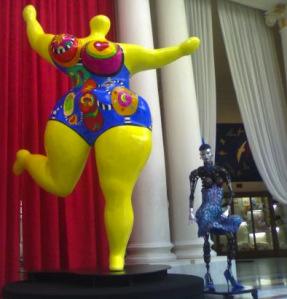 La Nana jaune de Niki de Saint Phalle au Negresco