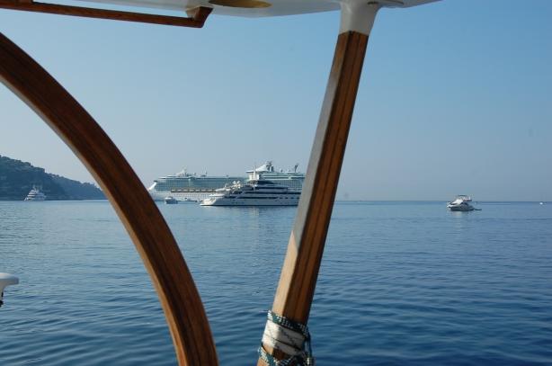 Vue sur les yachts de la Baie des Anges