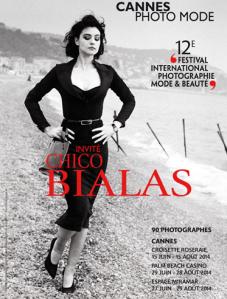 Monica Belluci en talons aiguilles sur la plage de Nice, 1998, parue dans Elle.