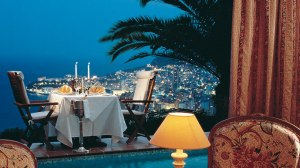 7-vista-palace-restaurant-night