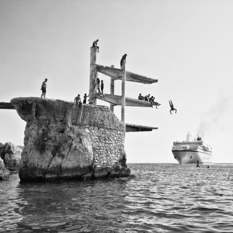 Les jeunes sur le plongeoir de la Réserve - Photo Patrice Clément
