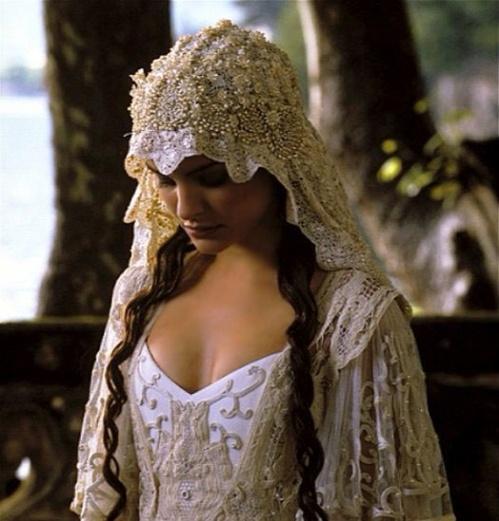 2002 - Natalie Portman  Star Wars L'attaque des clones de George Lucas