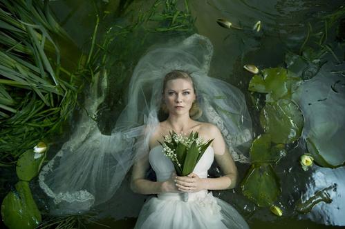 2011 - Kirsten Dunst dans Melancholia de Lars von Trier