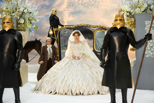 2012 - Julia Roberts dans Blanche Neige de Tarsem Singh