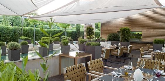 Terrasse-restaurant-La-Voile