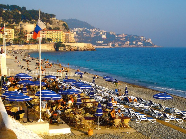 sunny_afternoon_at_opera_plage_private_beach_nice_cote_dazur