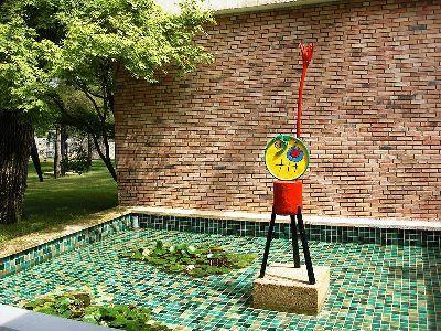 thumb-la-fondation-maeght---un-lieu-dedie-a-l-art-contemporain-3096
