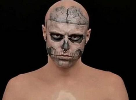 Rick Genest, alias Zombie Boy, c'est ce mannequin canadien qui a fait le buzz après avoir figuré dans le clip de Lady Gaga, Born This Way.