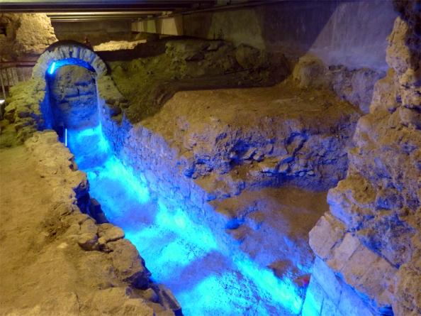 La crypte mise à jour sous la place Garibaldi