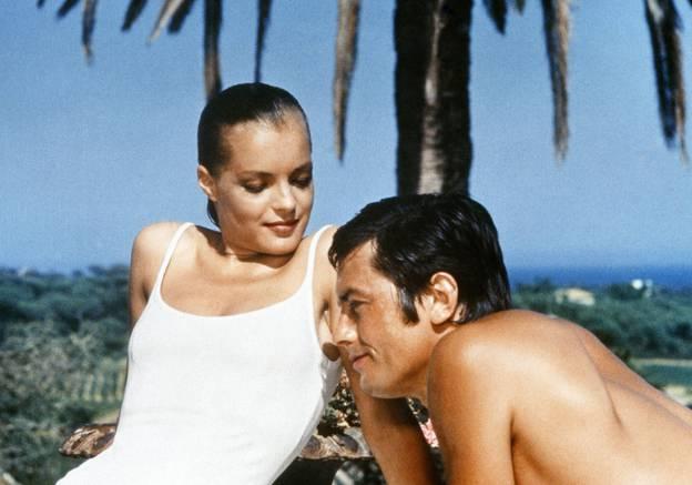 Romy Schneider et Alain Delon dans La Piscine. Ce film est aussi le premier film français de Jane Birkin, fraîchement débarquée de sa Grande-Bretagne natale.