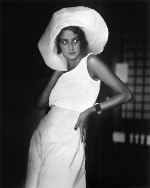 Renée, Biarritz, août 1930 Photographie J H Lartigue © Ministère de la Culture – France / AAJHL