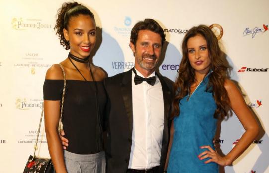 Malika Ménard, Patrick Mouratoglou et Flora Coquerel.